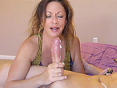 Seductive cocktease shows off her body and cums on camera for you 7